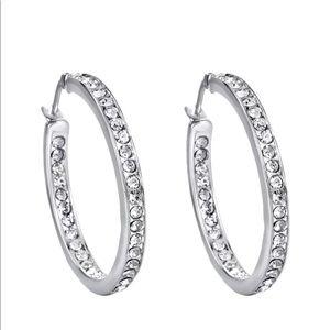 Jewelry - SIMPLE CLASSIC SILVER CRYSTAL ROUND HOOP EARRINGS